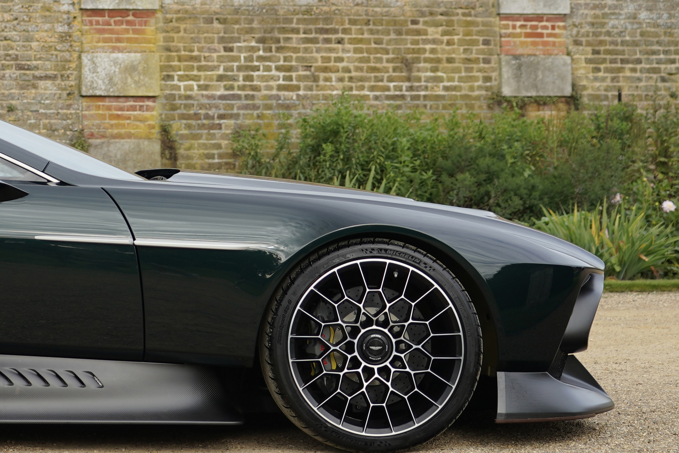 Aston Martin Victor by Q - 2020 - front wheel / jante avant