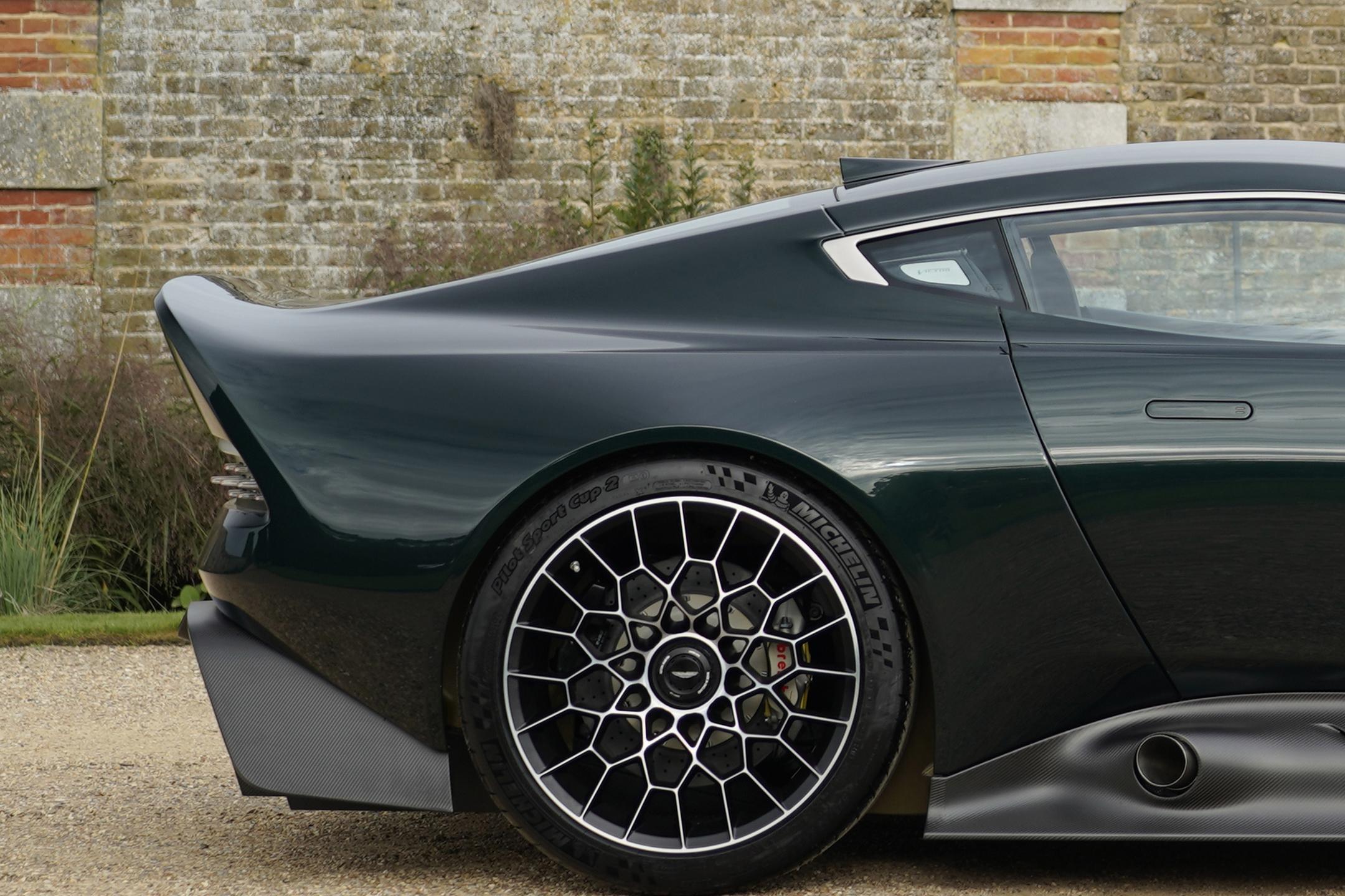 Aston Martin Victor by Q - 2020 - rear wheel / jante arrière