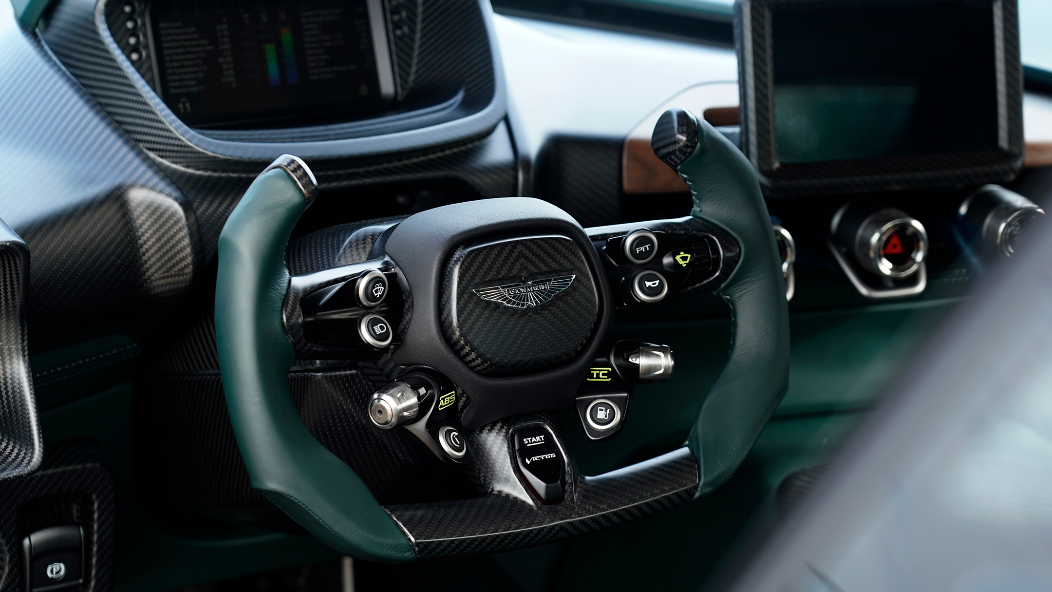 Aston Martin Victor by Q - 2020 - steering wheel / volant