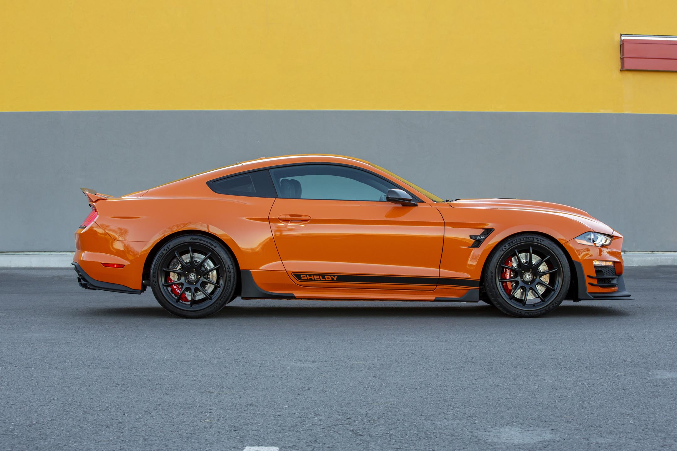 Ford Mustang Carroll Shelby Signature Series - 2020 - side-face / profil