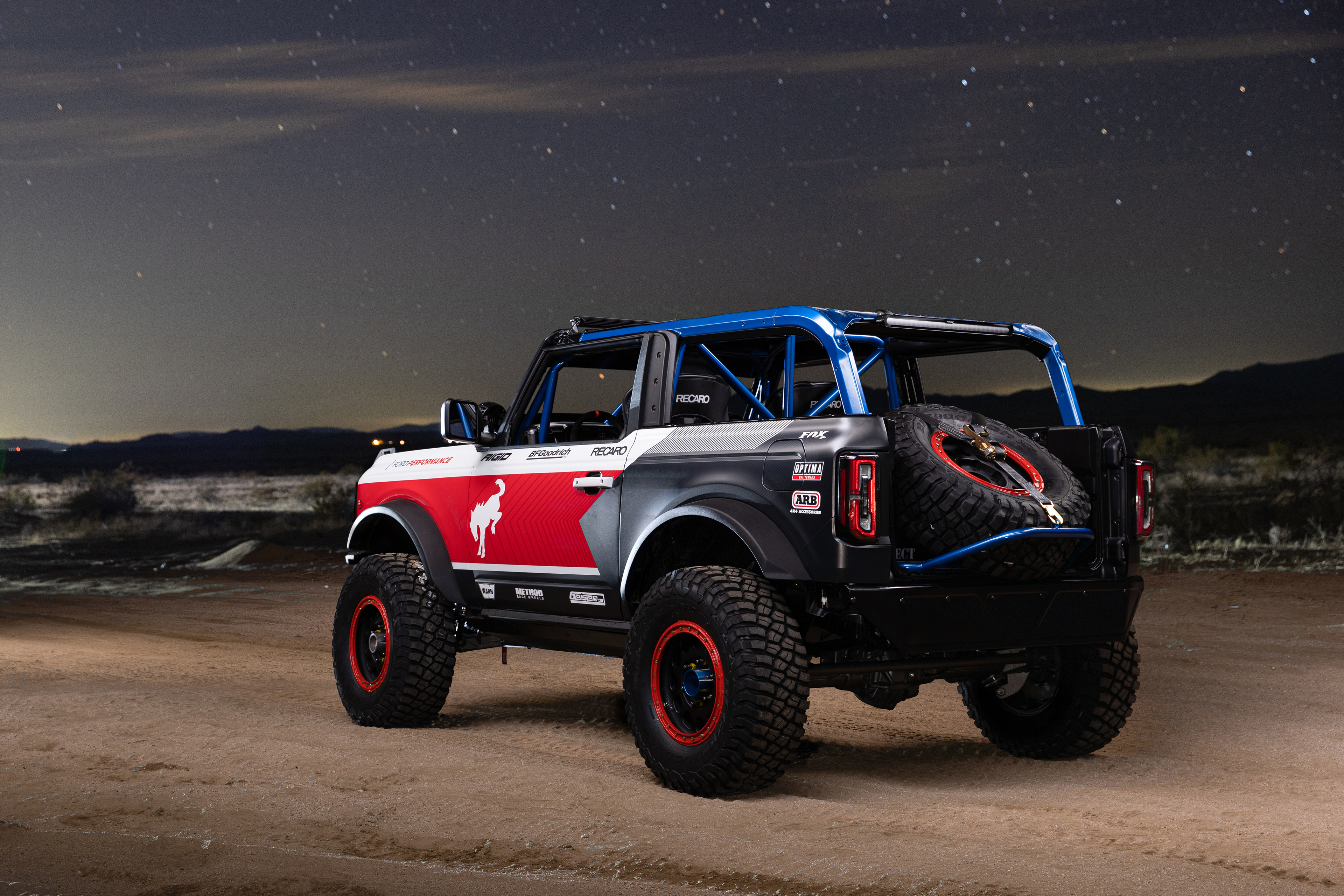 Ford Performance Bronco 4600 ULTRA4 - rear side-face / profil arrière
