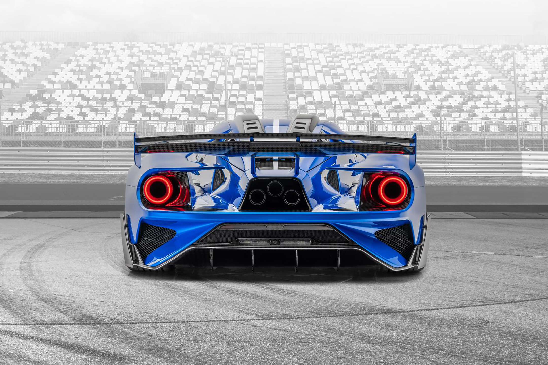 Le MANSORY - Ford GT custom - 2020 - top view - rear face / face arrière