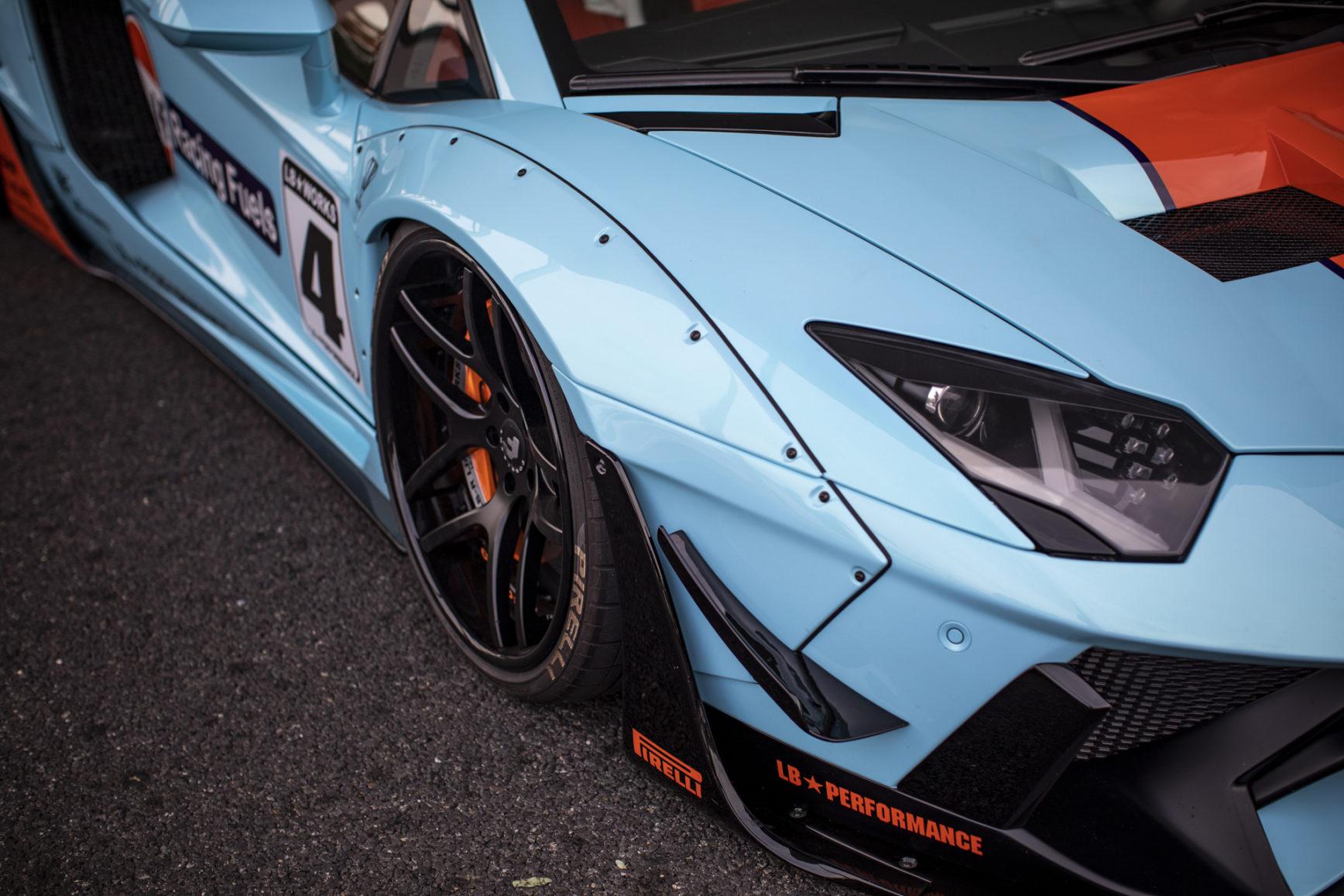 Liberty-Walk-Lamborghini-Aventador-Gulf-Livery-2018-front-light