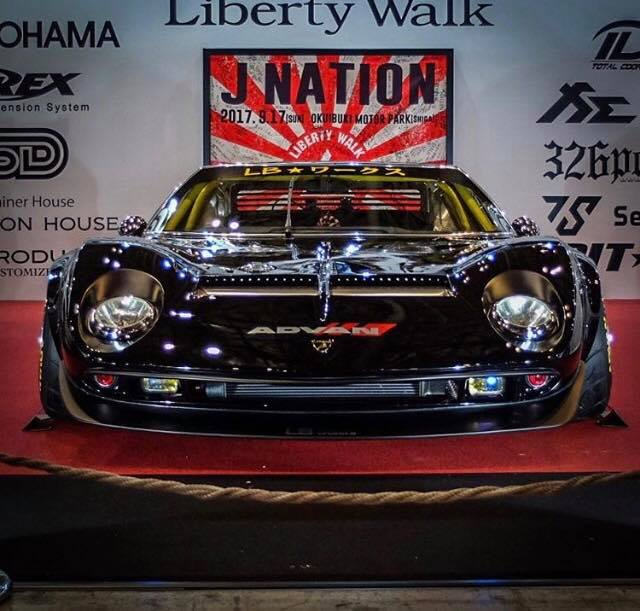 Liberty-Walk-Lamborghini-Miura-2018-front-face-TAS
