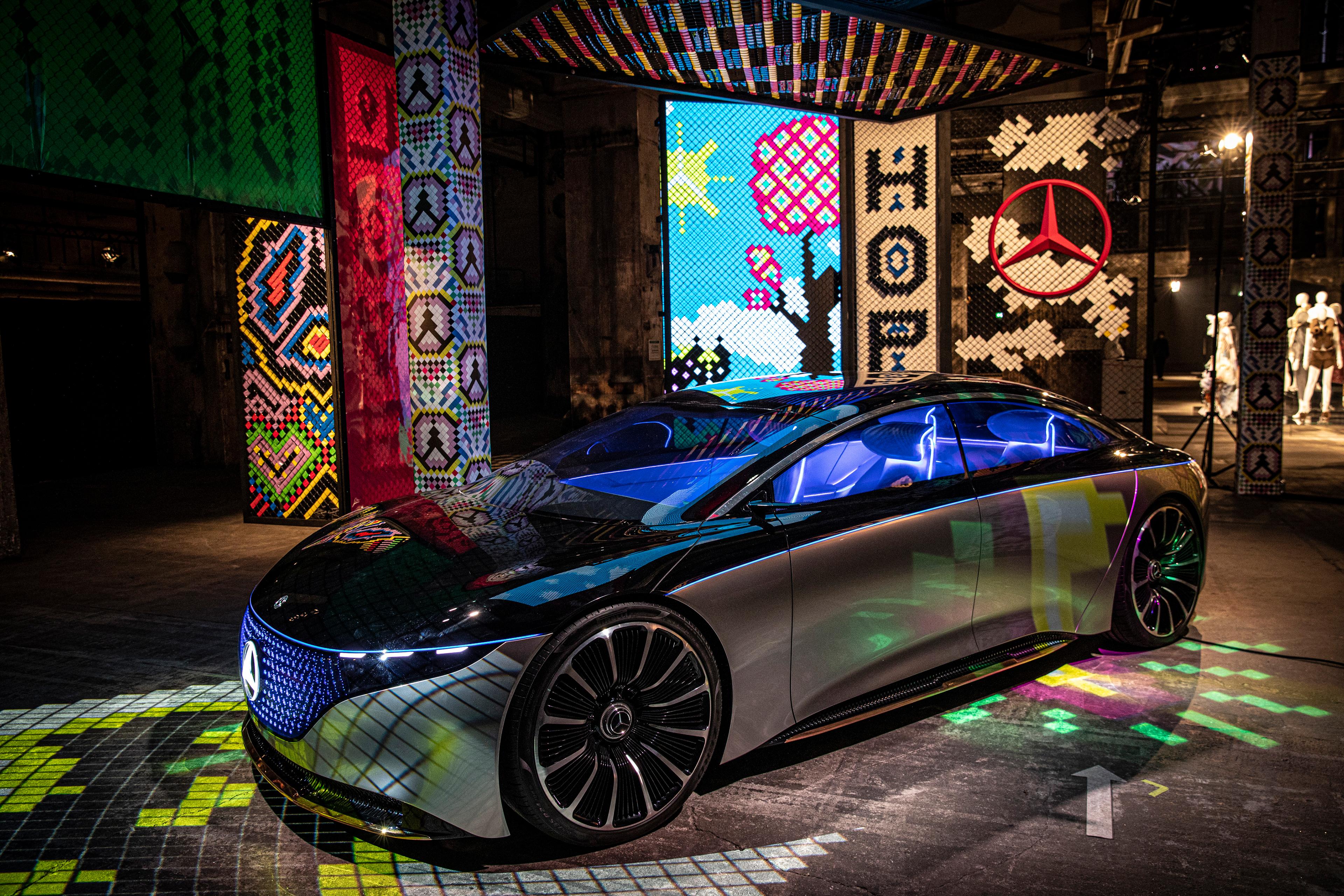 Mercedes-Benz Fashion Week x Tom Van der Borght - MBFW Berlin - 2021 - Vision EQS