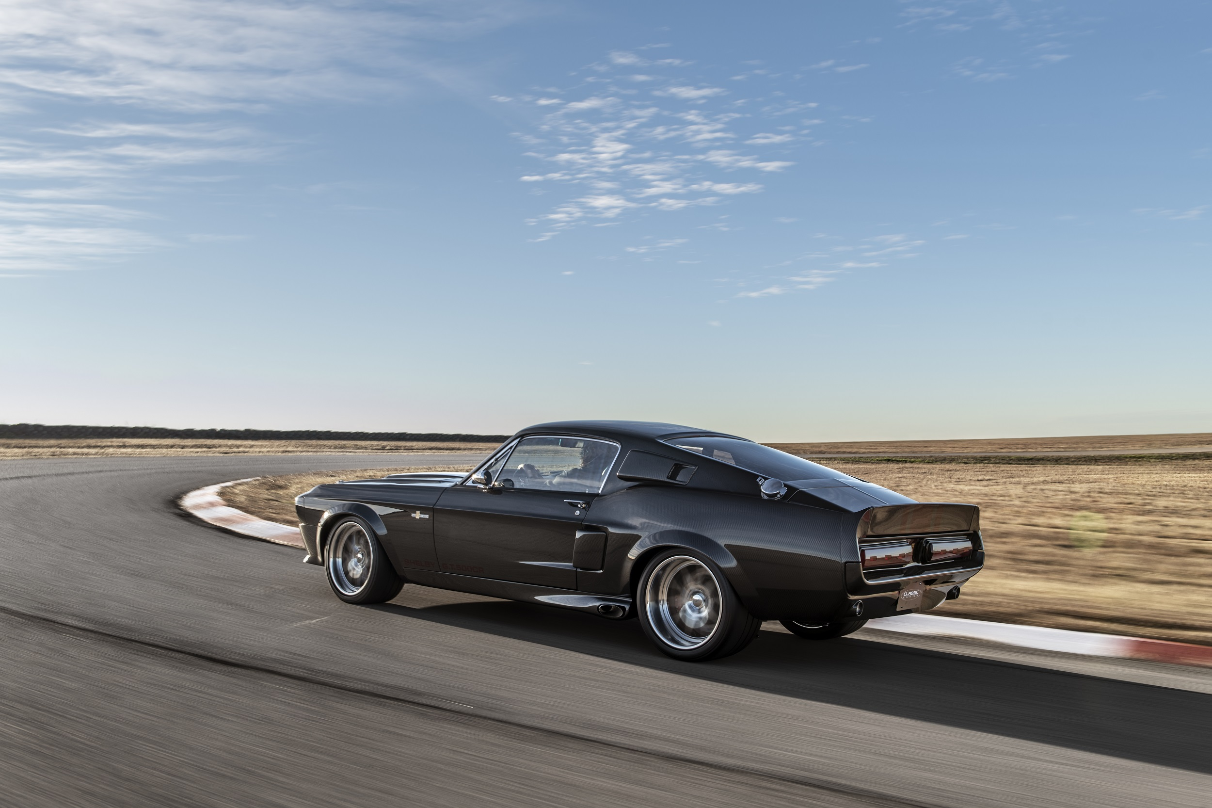 Classic Recreations Shelby GT500CR Carbon SpeedKore - 2021 - rear side-face / profil arrière - on track / sur piste