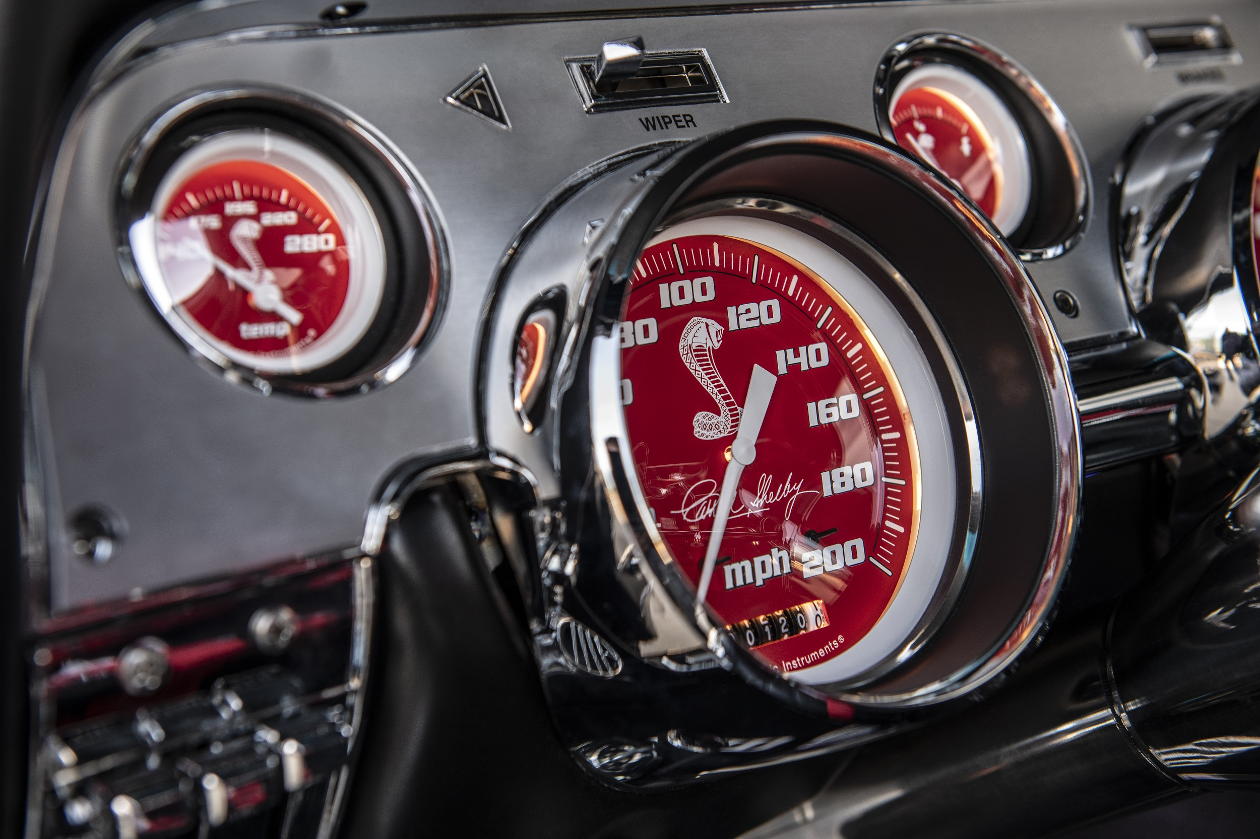 Classic Recreations Shelby GT500CR Carbon SpeedKore - 2021 - dashboard / tableau de bord